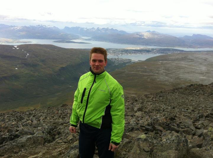 Troms� in background